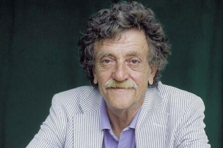 an overview of slaughterhouse five by kurt vonnegut Slaughterhouse-five starts with the narrator he never officially announces, hello, i am kurt vonnegut, but he is clearly speaking as vonnegut he never officially announces, hello, i am kurt vonnegut, but he is clearly speaking as vonnegut.