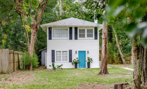 Houses Near Stetson 1/1 Walk to downtown! $1200/month UTILITIES INCLUDED! for Stetson University Students in DeLand, FL