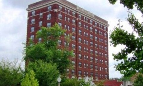 Apartments Near UMSL Fairmont / Monticello for University of Missouri-St Louis Students in Saint Louis, MO