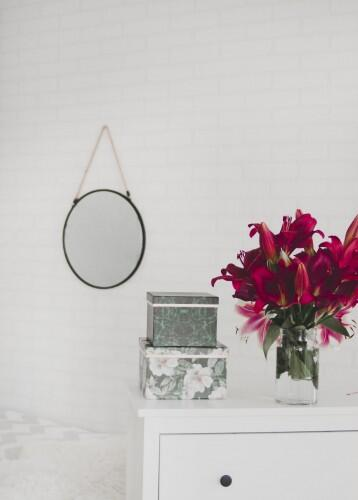 mirror, wall, white, table, flowers