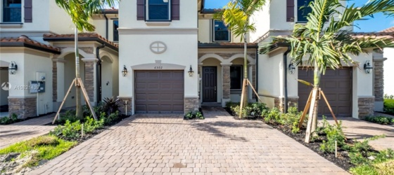 NSU Housing 6502 S Anise Ct for Nova Southeastern University Students in Fort Lauderdale, FL