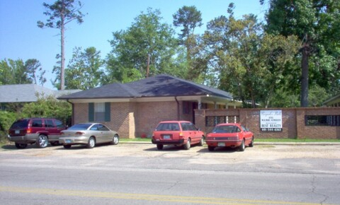 Houses Near Carey Regents Park Apts for William Carey University Students in Hattiesburg, MS