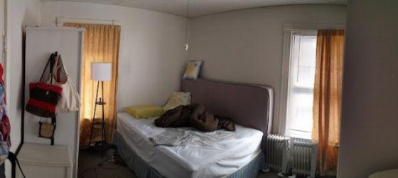 August Sublet / roommate for 1 year in Private room in 2 bedroom apt in Cambridge