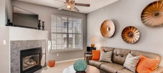 2 bedroom Centennial