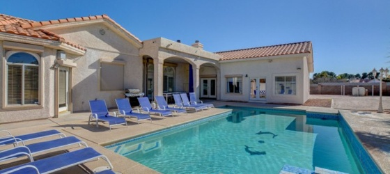 (YOLO!) The Ultimate Rental Villa Near UNLV, Strip & Airport