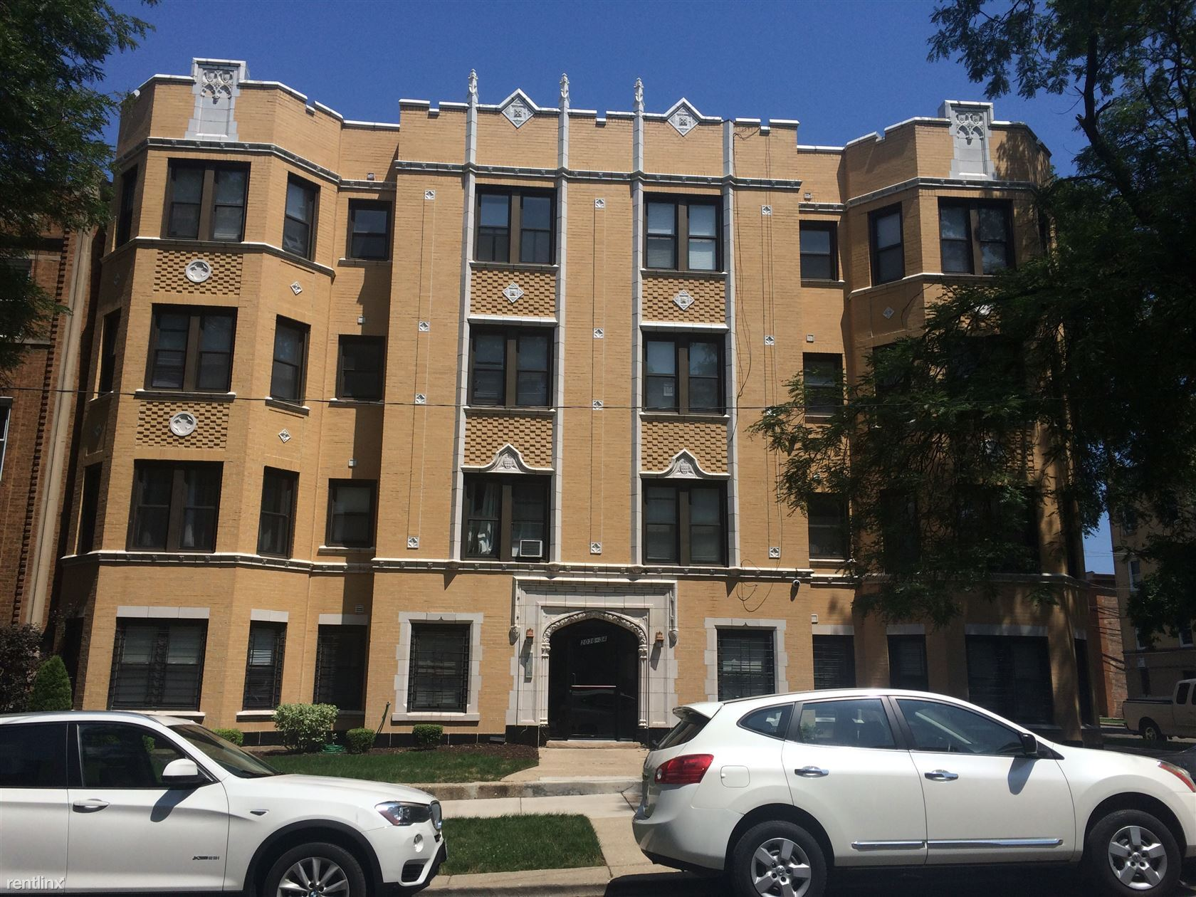 2035 W Arthur Ave at Chicago State University (Chicago State) | Uloop