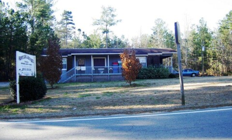 Houses Near GCSU 179 Sinclair Marina Road for Georgia College & State University Students in Milledgeville, GA