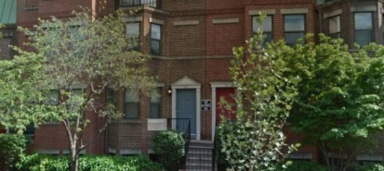 2 BD/2 BR Townhouse Ideal for roommates- one Block from MT Vernon Square Metro