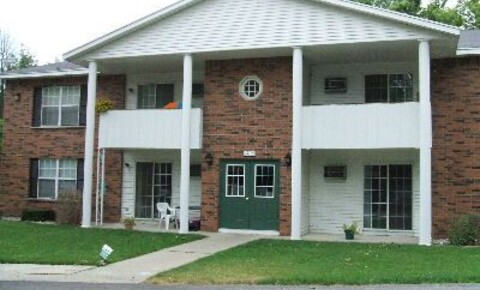 Apartments Near GVSU Colonial Village Apartments for Grand Valley State University Students in Allendale, MI