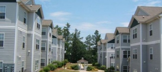 $375 University Village Apartment Furniture & Utilities Included