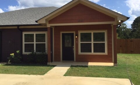 Apartments Near ETBU 1657 Cal Young Rd for East Texas Baptist University Students in Marshall, TX
